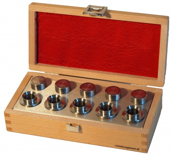 Deluxe pourer set stainless steel in wooden box